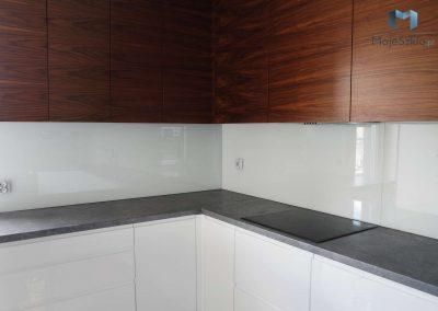 Lacobel Bialy W Kuchni 9003
