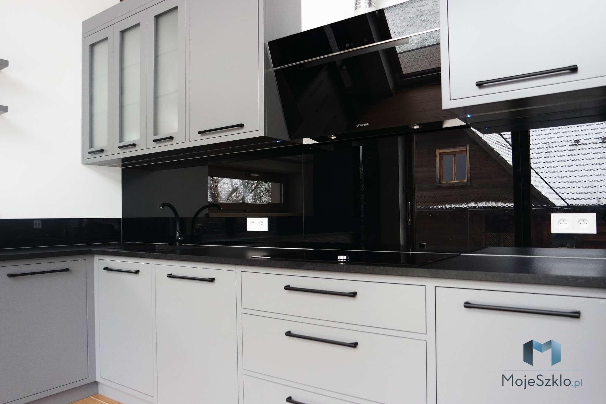 Lacobel Czarny Klasyczna Czern Wieliczka - Lacobel czarny - panele szklane jak lustro