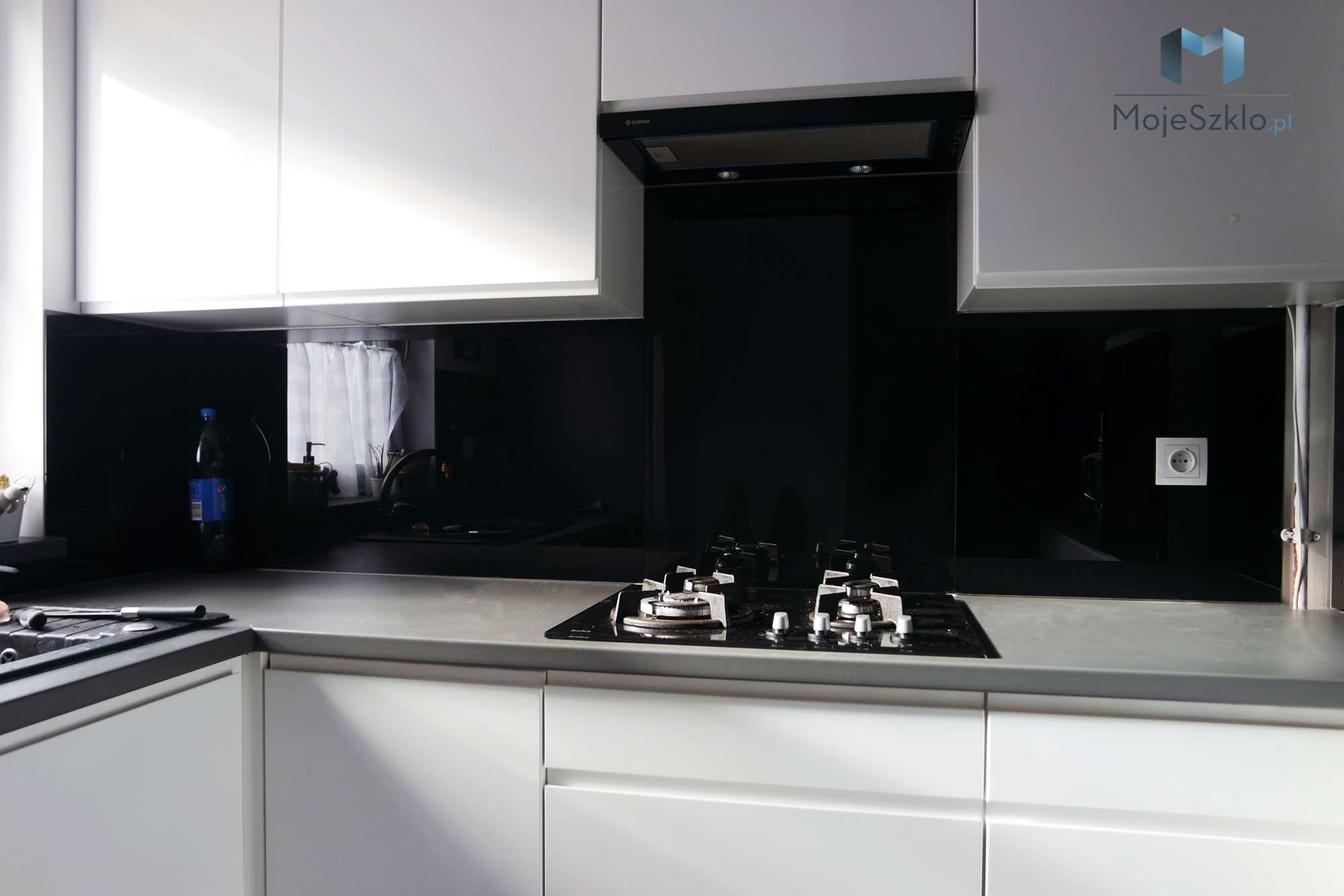 Lacobel Czarny Krakow - Lacobel czarny - panele szklane jak lustro