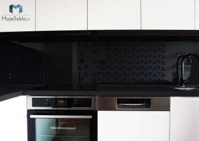 Lacobel Czarny W Kuchni
