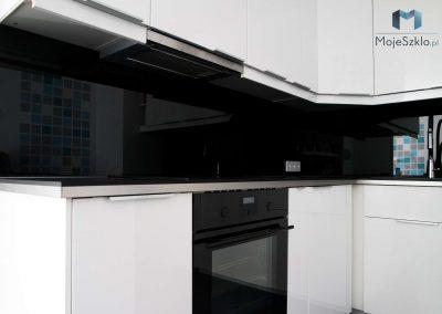 Lacobel Czarny W Nowoczesnej Kuchni