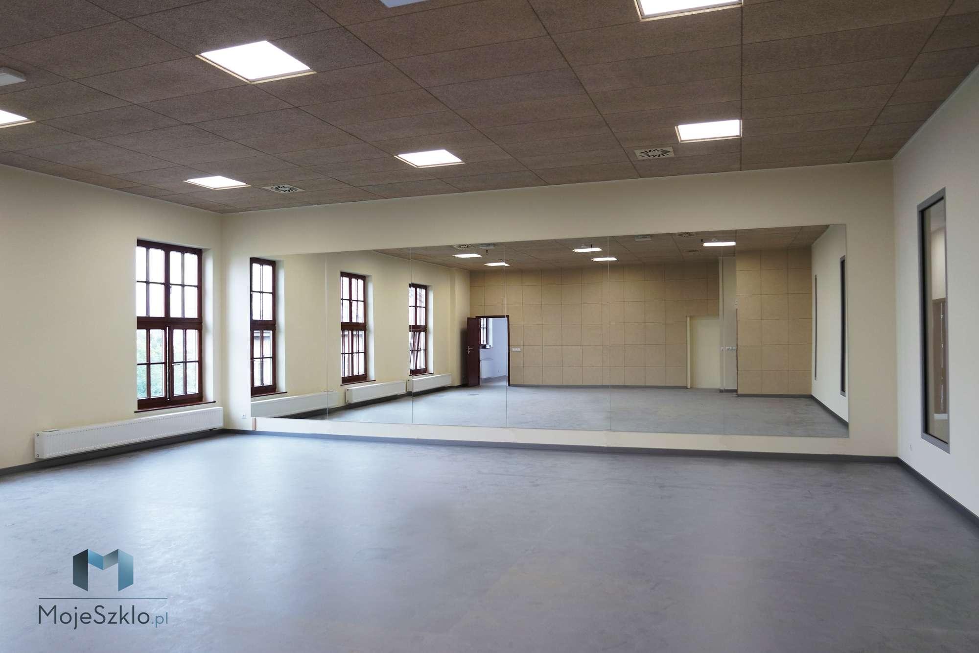 Lustra Sala Ginastyczna Krakow - Duże lustro na ścianę w salach gimnastycznych i siłowniach