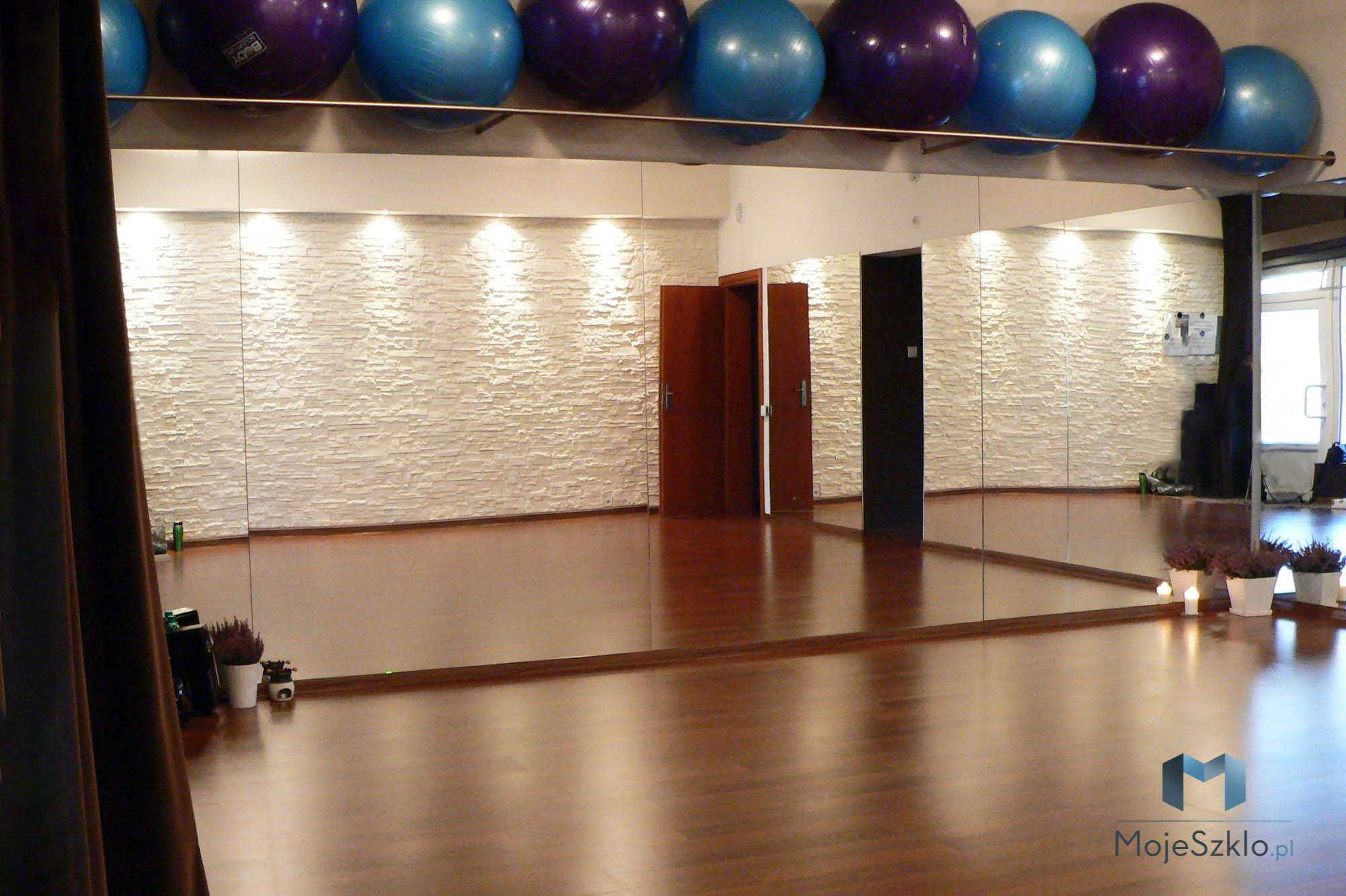 Lustro Do Sali Cwiczen - Duże lustro na ścianę w salach gimnastycznych i siłowniach