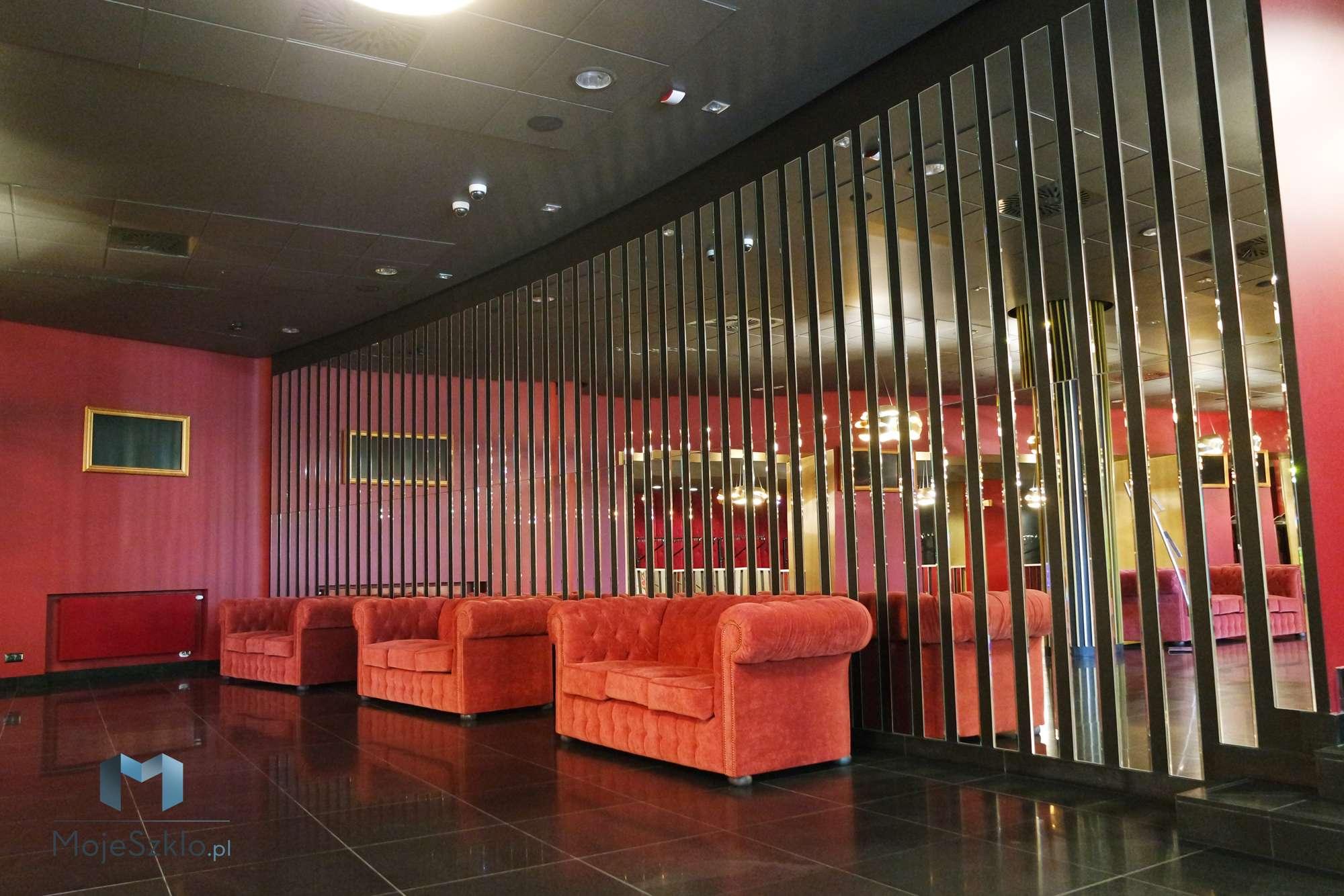 Lustro Do Teatru Na Wymiar - Lustra dekoracyjne w realizacjach komercyjnych