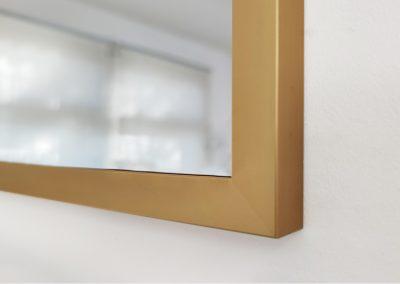 Lustro W Złotej Ramie 19x21