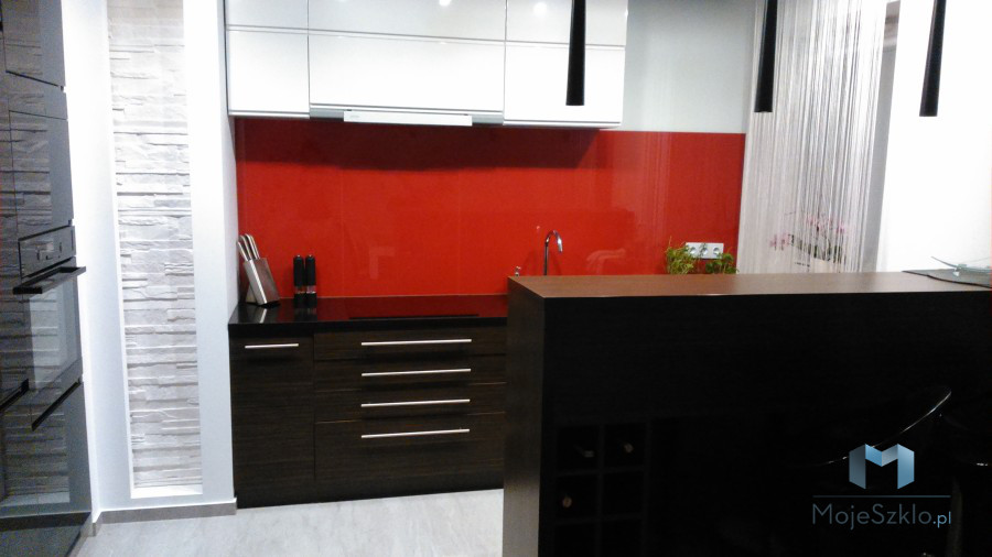 Lacobel Czerwone Panele Szklane Zamiast Płytek Ceramicznych