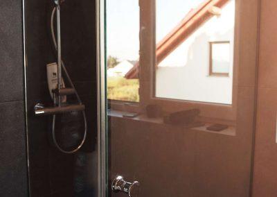 Prysznic Bez Brodzika Dwuelementowy Narozny