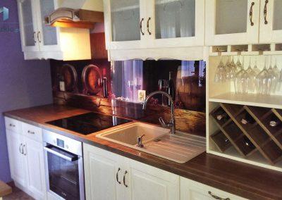 Szklo Na Sciane Kuchnia Wino