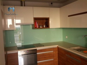 panele-szklane-lacobel-kuchnia-lakobel-pastelowa-zielen-1604-krakow